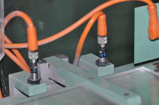 圆柱激光传感器